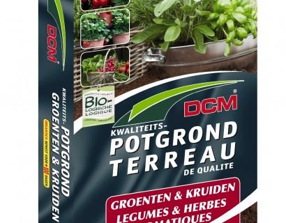 De vierkante meter tuin met groenten en kruiden. De moestuin op uw terras.