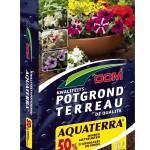 Regelmatig gieten van mijn bloembakken is een probleem. Is Dcm Potgrond Aquaterra een oplossing?